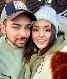 """SERHAT ŞEN on Instagram: """"H A N D E ⭐️ Zaten çok güzelsin makyaja hiç ihtiyacın yoktu ! ama işimi yapmak zorundaydım 😉💋 Not: -20 derece de çalışmak çok güzeldi 🔮…"""" Murat And Hayat Pics, Cute Love Couple, Hande Ercel, Turkish Beauty, Cute Relationships, Turkish Actors, Girl Face, Photo Poses, Celebrity Crush"""
