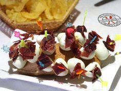 Pinchos de huevo con Jamón Receta: http://cocinayrecetas.hola.com/hoycomemos/20140524/pinchos-de-huevo-con-jamon/?utm_content=buffera7be3&utm_medium=social&utm_source=twitter.com&utm_campaign=buffer