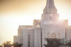Click to download this wallpaper image of the Gilbert Arizona Mormon Temple