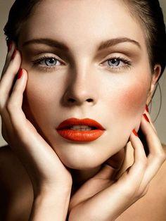 Instant Cheekbones orange/red lips, cheeks and nails + soft eye makeup – Das schönste Make-up Makeup Trends, Makeup Inspo, Makeup Inspiration, Makeup Tips, Makeup Ideas, Soft Eye Makeup, Face Makeup, 80s Makeup, Witch Makeup