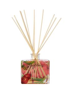 Yankee Candle Signature Reed Diffuser - Black Cherry Offering the same long-lasting, true-to-life Yankee® fragrance you've come to expect from the iconic brand's best-loved candles, this reed diffuser will gradually fill your space with the mouth-watering richness of ripe black cherries.Simply sit the all-natural rattan reeds into the bottle and they'll wick the air with the alluring fragrance for up to 8 weeks.It arrives in a beautiful presentation box, which also makes it a great gift…