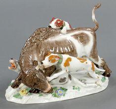 Tierhatz - Hunde mit Wisent  Staatliche Porzellan Manufaktur, Meissen 1963. Porzellan, weiß, glasiert.
