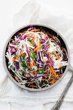As a salad addict and healthy food lover, you should get these 25 flavorful slaw (coleslaw) recipes on hand. Not only are they preferred in summer months, along with other fresh salads, they are also served all year. Slaw is made with finely-shredded Vinegar Based Coleslaw Recipe, Vinegar Coleslaw, Coleslaw Recipes, Cole Slaw Vinegar Based, Hash Browns, Soup And Salad, Pasta Salad, Chicken Salad, Salads
