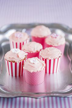 Coconut and Lime Cupcakes from Marion Grasby. Coconut Lime Cupcakes, Mini Cupcakes, Cupcake Cakes, Yummy Treats, Sweet Treats, Biscuit Cake, Special Recipes, Cupcake Recipes, Just Desserts