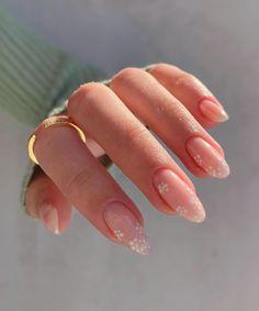 Simple Acrylic Nails, Almond Acrylic Nails, Best Acrylic Nails, Simple Nails, Simple Elegant Nails, Daisy Nails, Daisy Nail Art, Nagellack Design, Almond Nails Designs