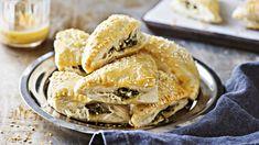 Vegan Treats, Vegan Foods, Salty Snacks, Apple Pie, Feta, Bread, Baking, Ethnic Recipes, Desserts