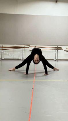 Ballet Dance Videos, Dance Tips, Dance Choreography Videos, Contemporary Dance Videos, Modern Dance, Dancer Workout, Gymnastics Workout, Flexibility Dance, Flexibility Workout