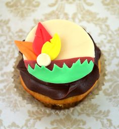 Sweetology: Thanksgiving Head Dress Cupcake ~ November Cake Challenge Project!!!