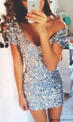 Silver Sequined Dress//