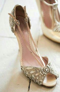 Indian bridal shoe indian bridal shoes wedding bride dulhan desi groom www.amouraffairs.in