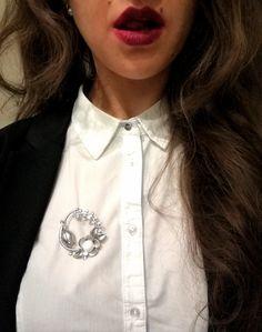 💋👄💄 #fashion #officestyle #brooch #ladycollection #bijoux #blouse #camaieu #mycamaieu #lipstick #maybelline #mattelipstick