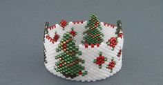 Seed Bead Crafts, Seed Bead Projects, Beaded Crafts, Beading Projects, Beaded Christmas Decorations, Beaded Ornaments, Loom Beading, Beading Patterns, Motifs Perler