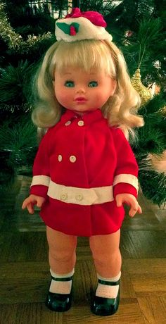 Maria Cristina Sebino from the She walks and talks in French. She was the inspiration for the Mexican doll Rosalinda from the Lili Ledy brand. Maria Teresa, Barbie I, Photo Memories, Madame Alexander, Cute Dolls, Vintage Dolls, Walks, Postcards, Lily