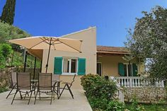 Villa Kiki Agios Spyridon Corfu Featuring a terrace, Villa Kiki is a holiday home, situated in Agios Spyridon Corfu. The air-conditioned unit is 21 km from Corfu Town. Free WiFi is available . The unit equipped with a kitchen with an oven and microwave.