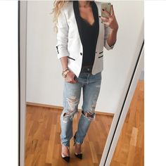 "Despina Petric on Instagram: ""#theotherday#comfychic#levis#redone#vintage#boyfriendjeans#gianvitorossi#pumps#thekooples#silktop#zadigetvoltaire#blazer#streetlook#streetstyle#fashiondiaries#fashionblog"""