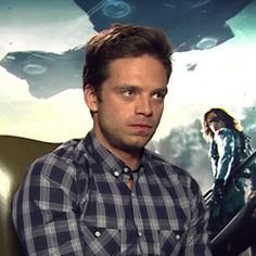 The interviewer Makes Sebastian Stan (Bucky) laugh. How to go from serious to laughing in seconds... Super cute!
