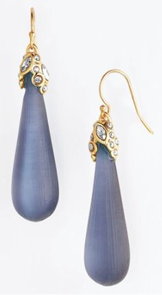 gorgeous teardrop earrings http://rstyle.me/n/mp4ddr9te