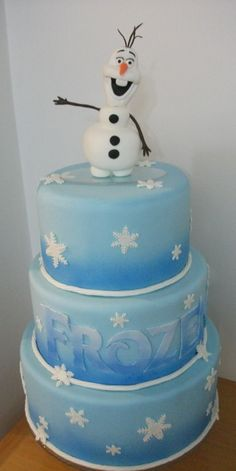 Bolo Frozen contato: longaty@hotmail.com