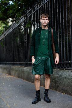 On the Street….Palais Galliera, Paris (The Sartorialist) The Sartorialist, Men Street, Street Wear, Paris Street, Modern Mens Fashion, Men's Fashion, Paris Fashion, Fashion Menswear, Fashion Vintage