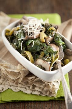 Change up boring weeknight dinners with this mushroom and spinach side dish. You'll need portobello mushrooms, leeks, baby spinach, whipping cream, butter and garlic. Top with shaved Parmesan before serving. Mushroom Side Dishes, Vegetable Side Dishes, Mushroom Recipes, Mushroom Dish, Portobello, Healthy Vegetable Recipes, Vegetarian Recipes, Diabetic Recipes, Keto Recipes