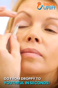 Aging is a common looming threat for every woman! With anti-aging eyelid tape you bid goodbye to all your problems. Warts On Hands, Warts On Face, Cystic Acne Treatment, Get Rid Of Warts, Remove Warts, Brown Spots On Skin, Skin Moles, Skin Growths, Beauty Tips For Glowing Skin