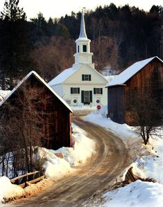 fletchingarrows:  starrymessenger:  prettie-sweet: Waits River, VT (by joscelynb)  why i love living in new england