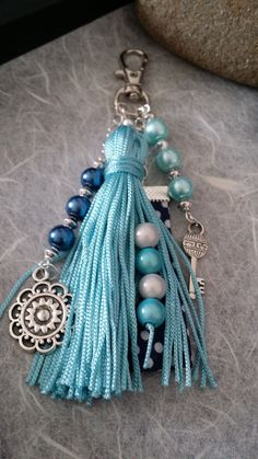"""Bijoux de sac / porte clés bleu turquoise (BS-002)  Boutique ALM  """" des papillons dans les yeux"""""""