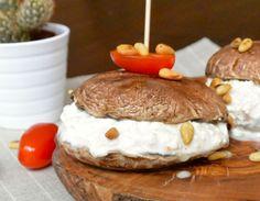 http://foodness.nl/recipe/detail/684/burgers_van_portobello_gevuld_met_huettenkaese
