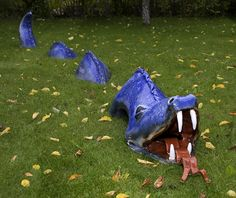 one day i will have a yard, and this will be in it... sea dragon garden sculpture.
