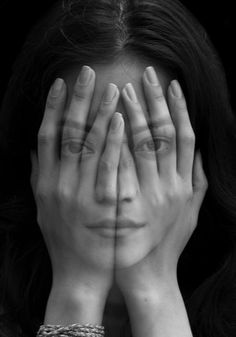 "Saatchi Online Artist: Tigran Tsitoghdzyan; Oil, 2012, Painting ""Mirror"" This is not a photograph...extraordinary."
