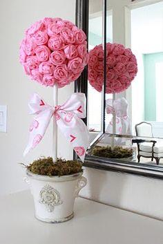 Inspire sua festa: Bolas de rosas de papel crepom