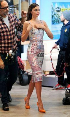Miranda Kerr wearing a Mary Katrantzou Dress - Feb 2013 Miranda Kerr Dress, Miranda Kerr Style, Miranda Ken, Miranda Kerr Fashion, Fashion Show, Fashion Outfits, Womens Fashion, Fashion Trends, Look 2018
