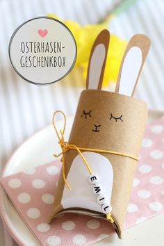 Toilet paper rolls upcycling - Easter bunnies tinker gift box: Easter is a joy for a small gift. The rabbit gift box is ideal for an Easter surprise. The Bunny Box is also suitable as a place card or as an Easter table decoration. The DIY gift box an Diy Gift Box, Diy Gifts, Gift Boxes, Gift Tags, Diy For Kids, Crafts For Kids, Summer Crafts, Easter Table Decorations, Spring Decorations