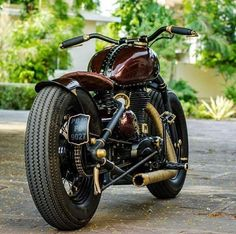 CARBON SS LITE BULLETEER CUSTOMS – a super awesome modified royal enfield by bulleteer customs.A Banglore based custom motorcycle unit. They construct bikes in a unique way that suits the … Enfield Bike, Enfield Motorcycle, Motorcycle Bike, Cafe Racer Parts, Cafe Racer Bikes, Cafe Racers, Motorcycle Design, Bike Design, Royal Enfield Classic 350cc