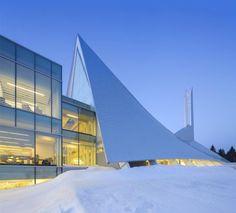 Monique-Corriveau Library by Dan Hanganu and Côté Leahy Cardas Architectes