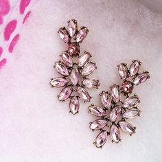 Vintage-Inspired Chandelier Earrings in Pink 16,90 € #happinessbtq