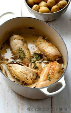 Poulet au riesling et aux cèpes séchés - Abby Coryndon Real Food Recipes, Chicken Recipes, Cooking Recipes, Poulet Au Riesling, Healthy Breakfast Potatoes, Healthy Dinners For Two, Clean Eating Chicken, Dutch Oven Recipes, Good Food