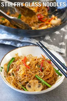 A super fast, easy and of course delicious stir fry glass noodles. Ready to enjoy within minutes, so forget about the take outs. Easy Asian Recipes, Healthy Recipes, Ethnic Recipes, Healthy Foods, Yummy Recipes, Recipies, Dinner Recipes, Dessert Recipes, Chicken And Potato Curry