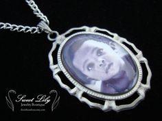 Custom Laced Oval Photo Pendant  18x25mm by ilovethoseboys on Etsy