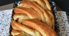 Akár az ünnepi asztalra, akár csak úgy a mindennapokra készül, nagyon finom és mutatós ez a kalács.    Hozzávalók 35 x 15 cm... French Toast, Bread, Cooking, Breakfast, Food, Kitchen, Morning Coffee, Brot, Essen