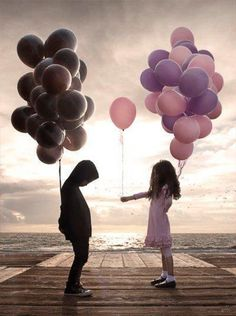 Si queremos recibir aprendamos primero a dar... tal vez nos quedemos con las manos vacías pero nuestro corazón estará lleno de amor... Y quienes aman la vida tienen el sello de ese sentimiento en un lugar de su corazón... - Reflejos de luz -