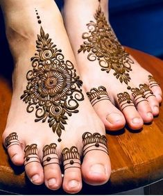 Find the best and latest stylish mehndi designs. Leg Mehndi Design Images, Leg Henna Designs, Finger Henna Designs, Mehndi Designs For Girls, Mehndi Designs For Beginners, Dulhan Mehndi Designs, Mehndi Designs For Fingers, Unique Mehndi Designs, Mehndi Designs For Hands