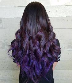 15 Must Have Dark Purple Hair Colour Ideas Vibrant and Chic Dark Purple Hair Col 15 Must Have Dark Purple Haarfarbe Ideen Lebendige und schicke … Dark Purple Hair Color, Dark Red Hair, Purple Haze, Curly Hair Styles, Natural Hair Styles, Short Dark Hair, Hair Highlights, Pretty Hairstyles, Layered Hairstyles