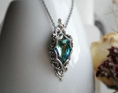VENTA - Señora del océano de años plata y collar de Swarovski - fantasía - victoriano - azul - vacaciones - invierno - - boda - novias