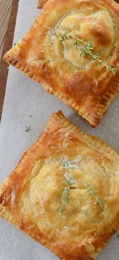 Puff Pastry Ham, Cheese & Broccoli Hand Pies Here are The 11 Best Hand Pie Recipes we could find perfect for making ASAP. Pie Recipes, Cooking Recipes, Puff Pasty Recipes, Puff Pastry Dinner Recipes, Recipes Using Puff Pastry, Pastries Recipes, Curry Recipes, Recipies, Savory Pastry