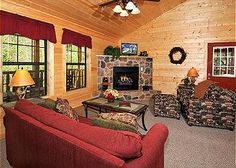 Absolutely Bearable is the perfect choice for your Smoky Mountain Honeymoon or a family vacation. Walking into the cabin you are welcomed by sweet serenity. Relax watching tv in either the bedroom or the living area, taking a dip in the hot tub, whip up a nice lunch in the full kitchen while enjoying a friendly challenge at a game of pool.