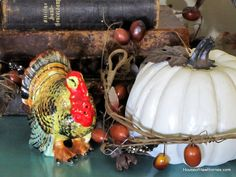 Taking fall decor from Halloween to Thanksgiving courtesy of some vintage turkey salt and pepper shaker