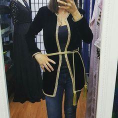 Mode Abaya, Mode Hijab, Modern Outfits, Chic Outfits, Morrocan Fashion, Girls Short Dresses, Afghan Dresses, Moroccan Caftan, Islamic Fashion