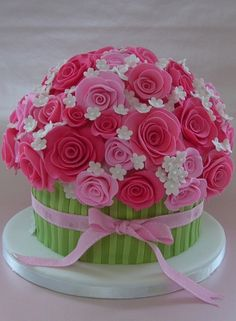 Beautiful Valentine's Cake -- Crowning Cakes Bakery (posted on cake wrecks - sunday sweets)