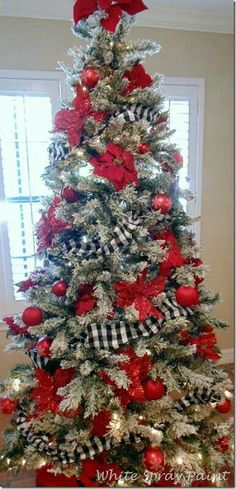 Red & white w/ Black Buffalo checks Christmas tree